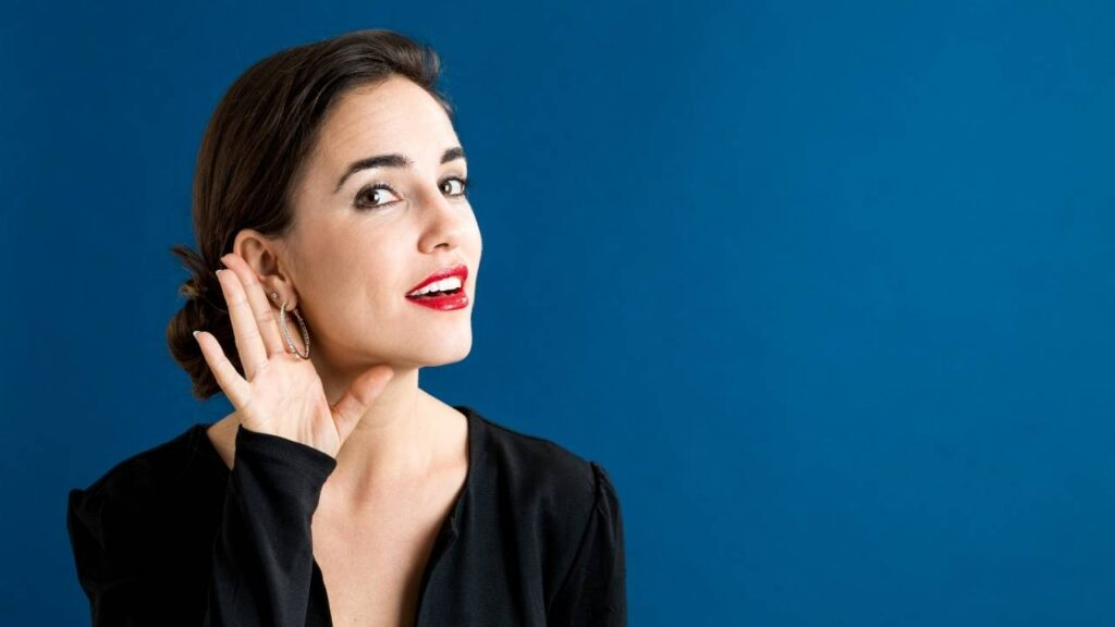 Woman listening - Barriers to Interpersonal communication